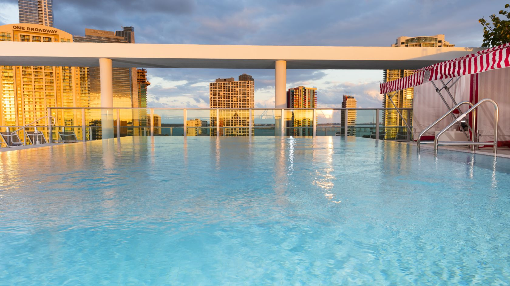 outdoor pool at Novotel Miami Brickell hotel